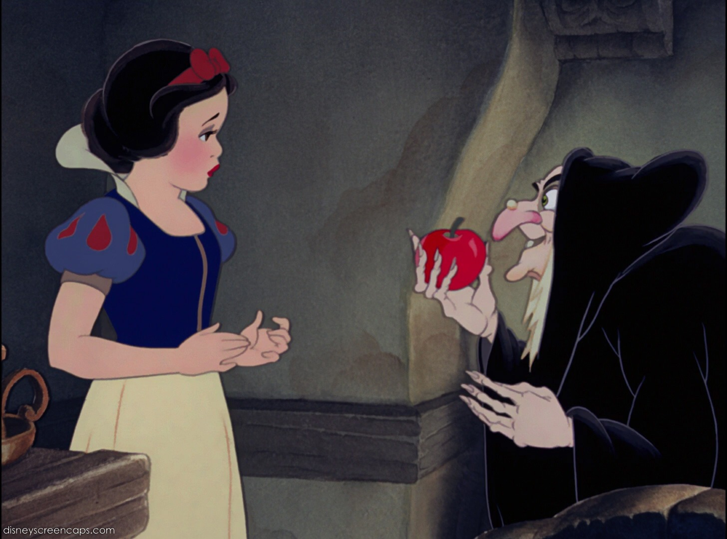 Snow_White_the_Witch_and_the_apple
